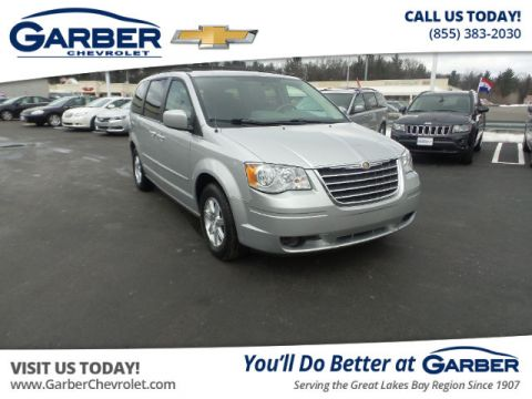 Pre-Owned 2008 Chrysler Town & Country Touring FWD Minivan